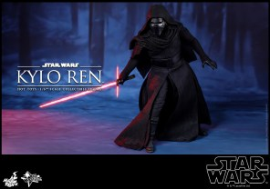 Hot Toys - Star Wars - The Force Awakens - Kylo Ren Collectible Figure_PR4
