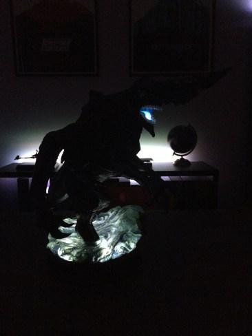 SideshowPacific Rim Knifehead Statue light