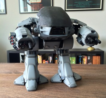 Sideshow/Hot Toys Robocop ED-209 Sixth Scale Figure Reviewed