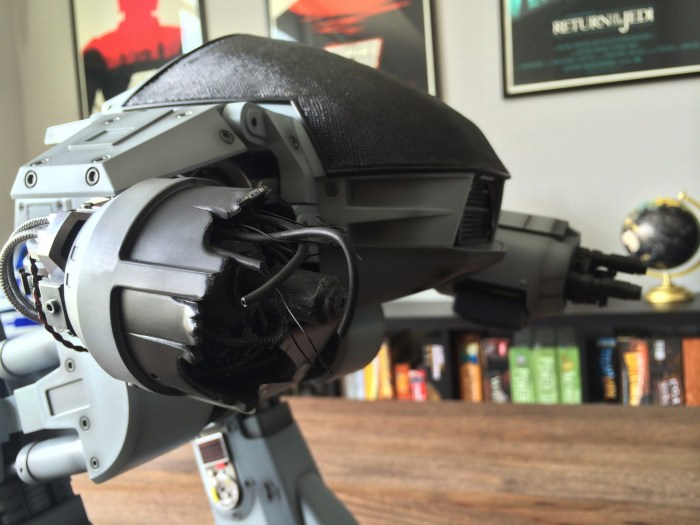 Hot Toys Robocop ED-209 Sixth Scale Figure