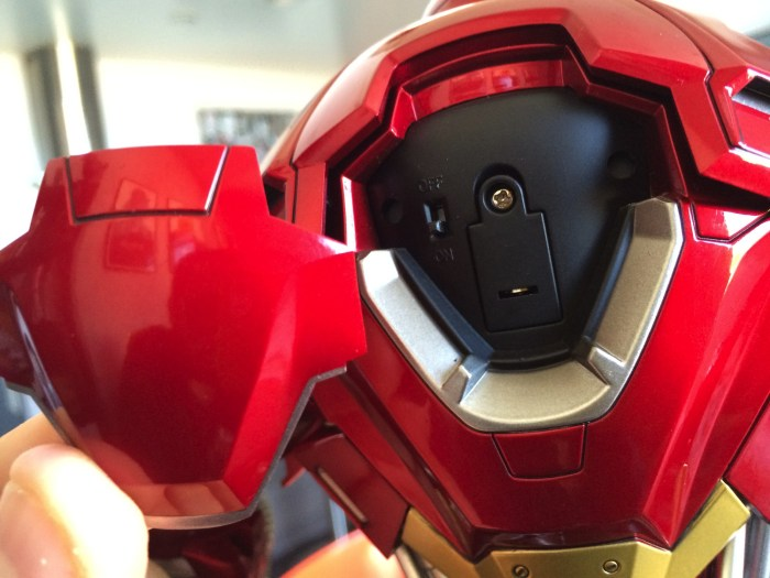 Hot Toys Iron Man Mark VVVX Red Snapper Sixth Scale Figure