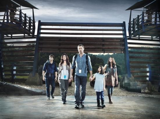 TERRA NOVA: The Shannon Family (L-R): Landon Liboiron, Shelley Conn, Jason O'Mara, Alana Mansour and Naomi Scott