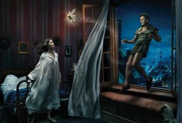 Gisele Bundchen as Wendy Darling, Mikhail Baryshnikov as Peter Pan