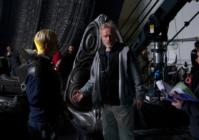on-set-prometheus-ridley-scott--michael-fassbender-image