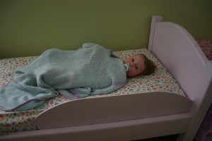 toddler stay in bed
