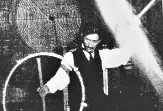 Documental sobre Vida e Historia de Nikola Tesla: Quién fue y qué hizo?