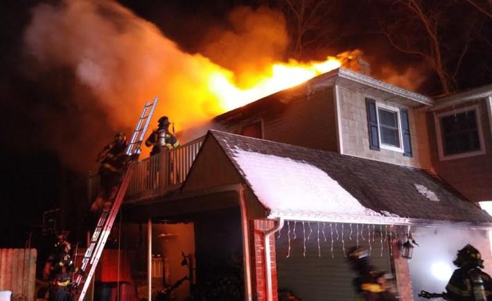 Brooksite Drive fire smithtown