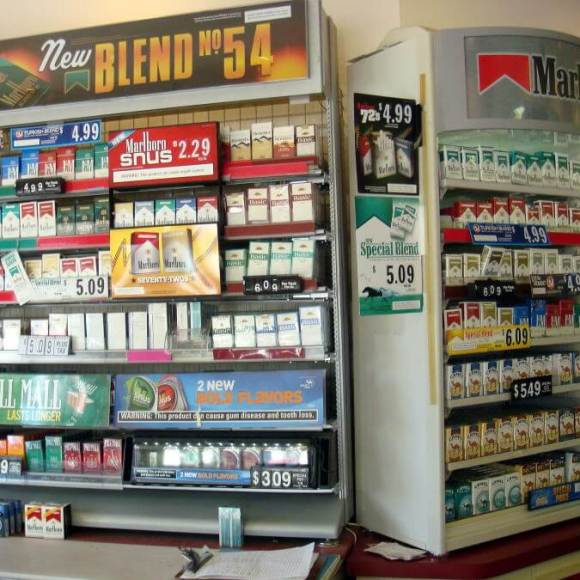 Sigarette e Tabacco sull'Aereo: Ci sono dei Limiti? Quante Stecche si possono portare?