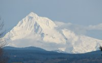 Mount_Hood_(Oregon)_(photograph_by_Theo,_2006)