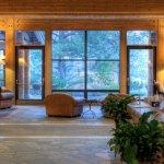 Sun Mountain Lodge Foyer