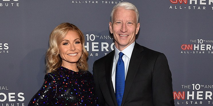 NEW YORK, NY - DECEMBER 11:  Kelly Ripa (L) and Anderson Cooper attend CNN Heroes 2016 at the American Museum of Natural History on December 11, 2016 in New York City. 26362_011  (Photo by Mike Coppola/Getty Images for Turner)