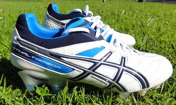 asics tight five cleat
