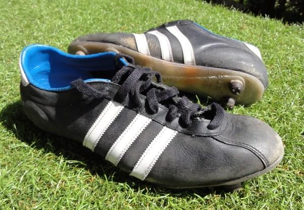 Win Retro Adidas boots