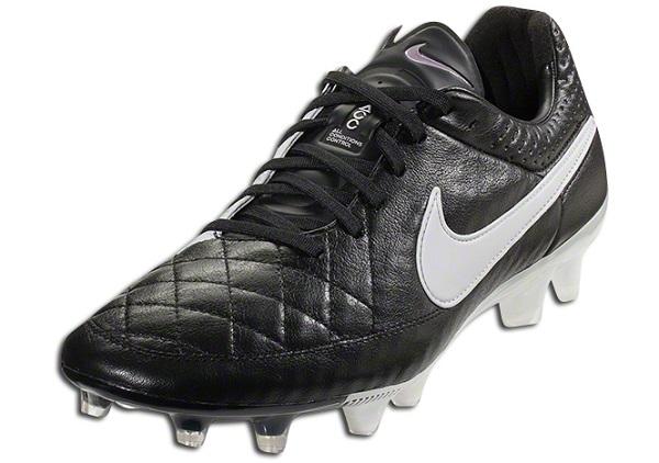 Nike Tiempo V Black