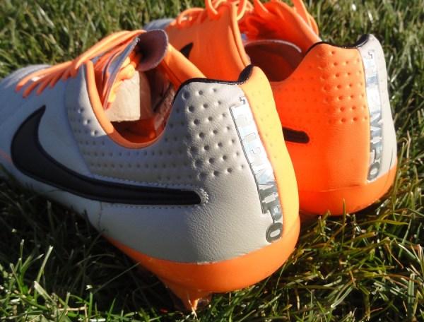 Nike Tiempo V Heel Design