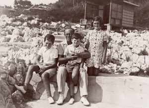 Robert Kennedy Joe Kennedy John and Joan in 1938 at Hotel du Cap