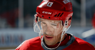 Red Wings' Datsyuk says he plans to leave after this season to be with family