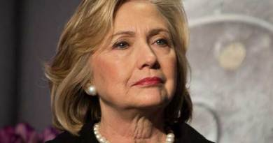 """Hillary Clinton is """"a danger to world peace,"""" says France's Marine Le Pen"""