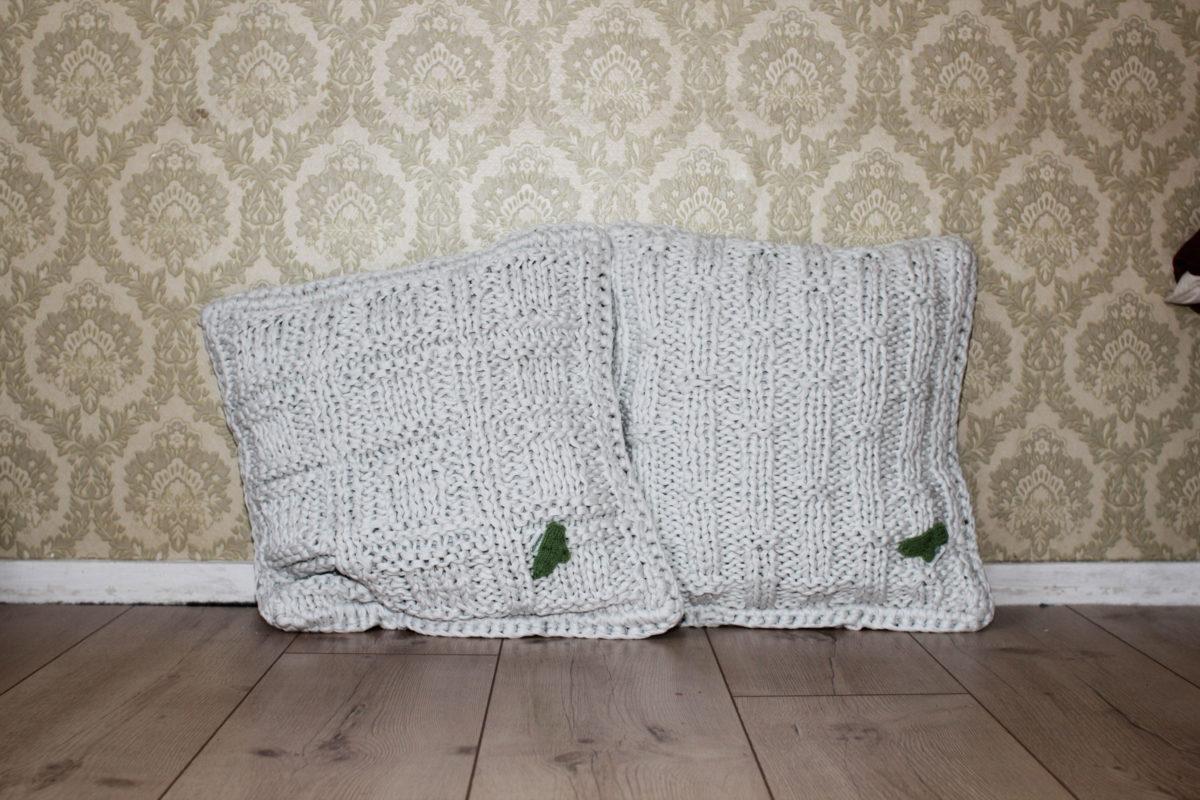 sockshype tablet kissen n hen. Black Bedroom Furniture Sets. Home Design Ideas
