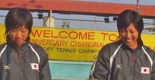 2004アジア選手権での上嶋・玉泉。団体、ダブルス、ミックスダブルス(中堀・上嶋)に優勝。