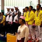 男子団体表彰式 国旗掲揚