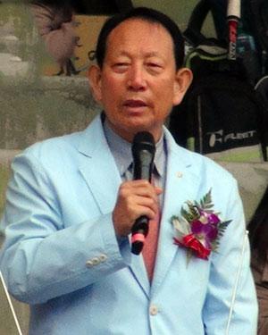 2013中山盃国際大会(台灣台中市)でのパクサンハ国際ソフトテニス連盟会長。世界のスポーツ界に強力なコネクションを持つといわれる。