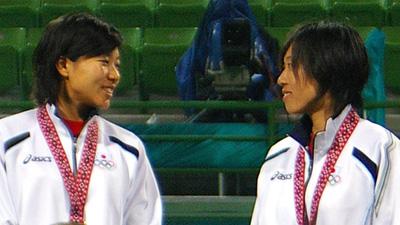 2006ドーハアジア競技大会表彰台での玉泉・上嶋