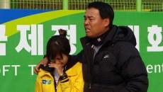 2008年NH OPEN終了後、愛弟子キムチウン(世界タイトルを5獲得)の引退セレモニーの様子。涙がとまらない。農協チームのホームコートにて