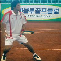 川村氏最後の国際大会となった2007世界選手権より。彼が代表だった数年は嵐のような激動の期間。レベルも極め付けに高かった。