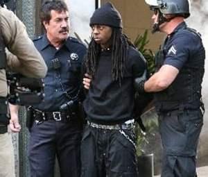 Lil-Wayne-2010-04-08-300x3001.jpg