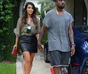 kim-kardashian-kanye-west-2012-10-09-300x300.jpg