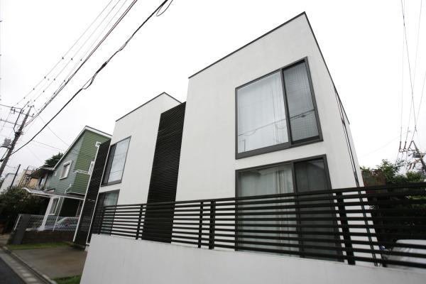 Urban_wood_apartment_outward_02