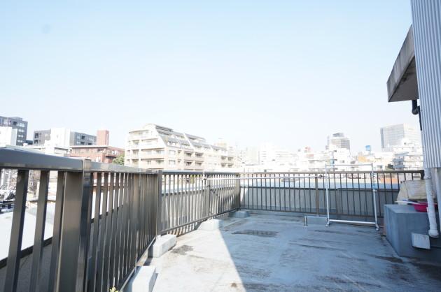 iron-hiroo-4F-roof-sohotokyo
