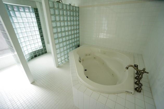 bauhaus-2F-bathroom3-sohotokyo