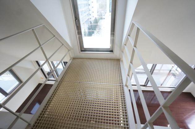 HK-hirakawacho-balcony1