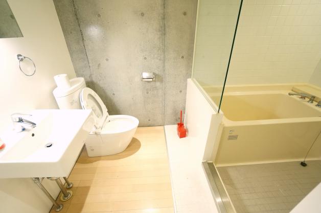 refuse'o forest-102-bathroom-01-sohotokyo
