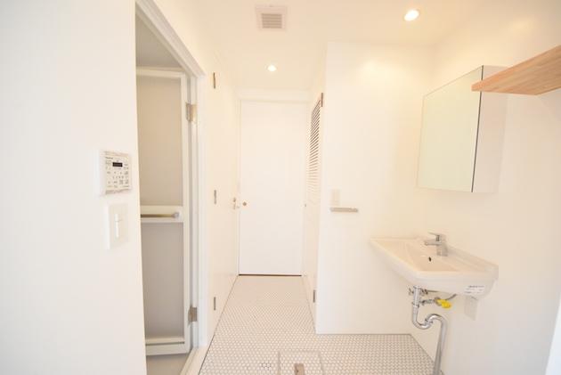 mansion_ogikubo-505-bathroom-01-sohotokyo