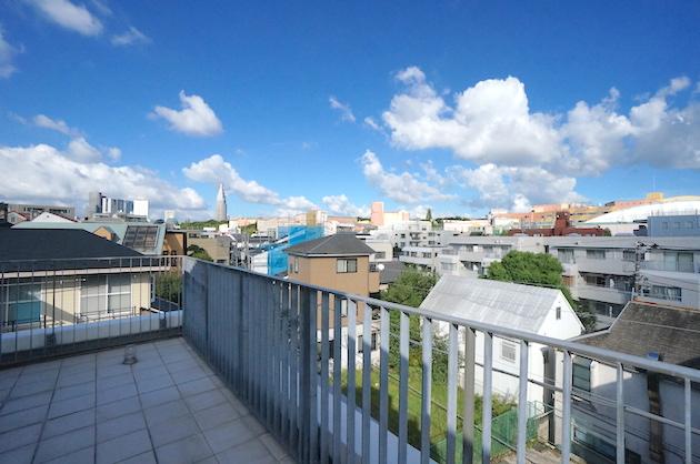 modeliabrut-sangubashi-401-balcony-02-sohotokyo