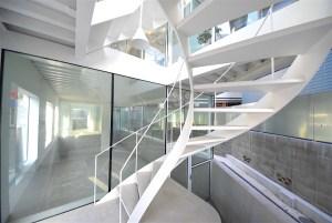 代官山駅近。透き通るような新築デザインオフィス。