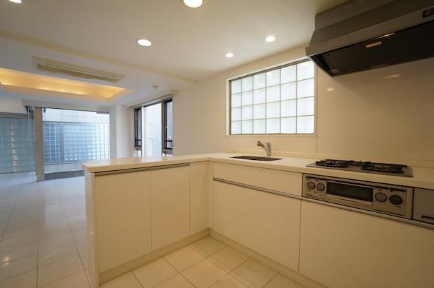 FLEG_nishiazabu-1000-kitchen-01-sohotokyo