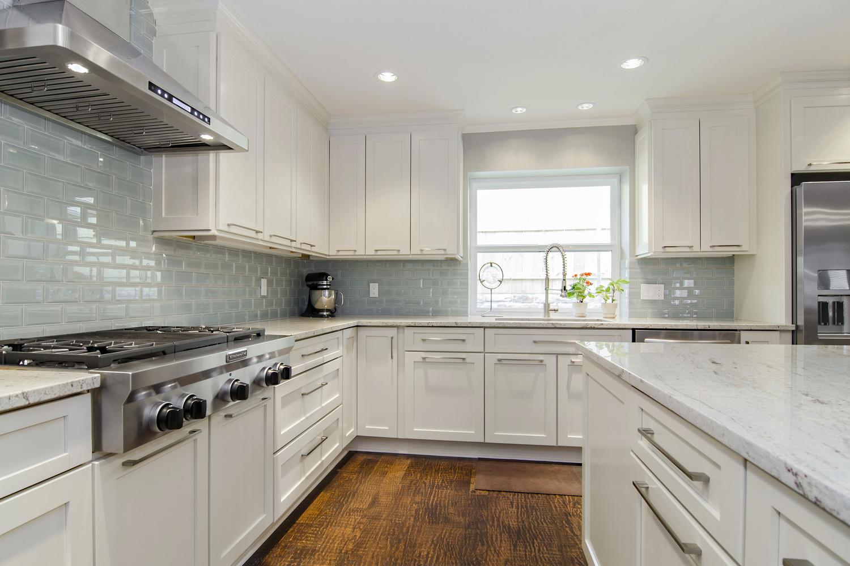 river white granite white cabinets backsplash ideas kitchens with white cabinets River White Granite White Cabinets Backsplash Ideas
