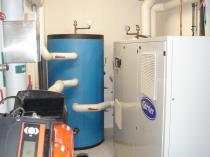 Groupe de production d'eau glacée a condensation par air de 80 Kw pour un process de radiologie IRM