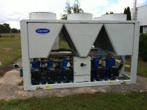 Groupe de production d'eau glacée de 500 Kw pour climatisation de laboratoires d'analyse