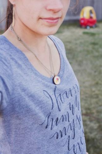 20150404necklaceTshirt2