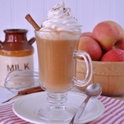 Biscoff Caramel Apple Cider. This doesn't just meet the expecations of a starbucks quality cider-- it exceeds them! Get your hands on a mug of this soon! #cider #apples #recipe