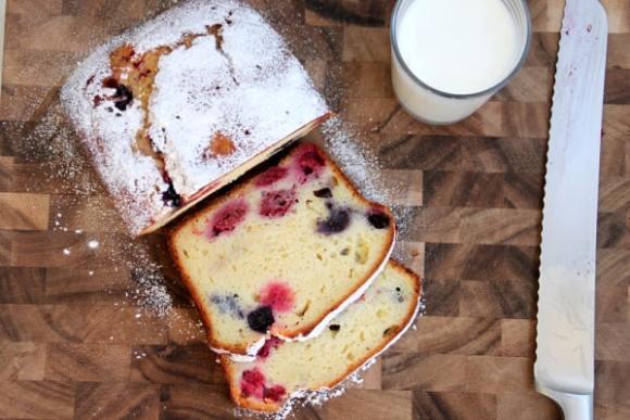lemon berry yogurt pound cake