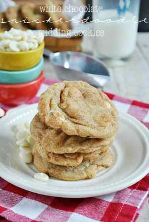 White Chocolate Snickerdoodle Pudding Cookies | www.somethingswanky.com