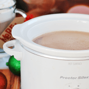 Crockpot Hot Chocolate | www.somethingswanky.com
