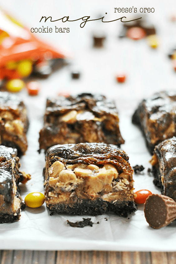 Reese's Oreo Magic Cookie Bars | www.somethingswanky.com
