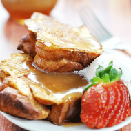 Chunky French Toast & Caramel Syrup | www.somethingswankycom